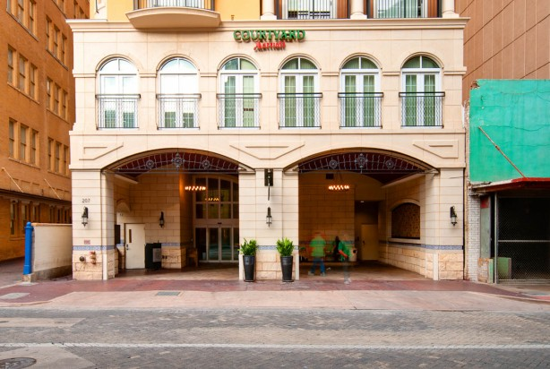 LKArchitecture Hospitality Courtyard SanAntonioTX 3