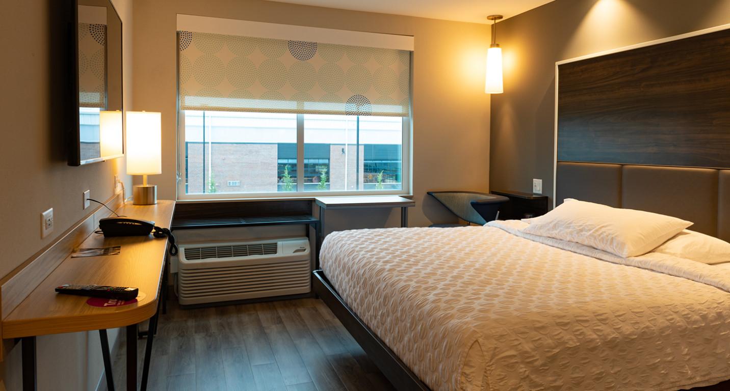 LK Architecture Hospitality Tru Hotel Wichita KS 09